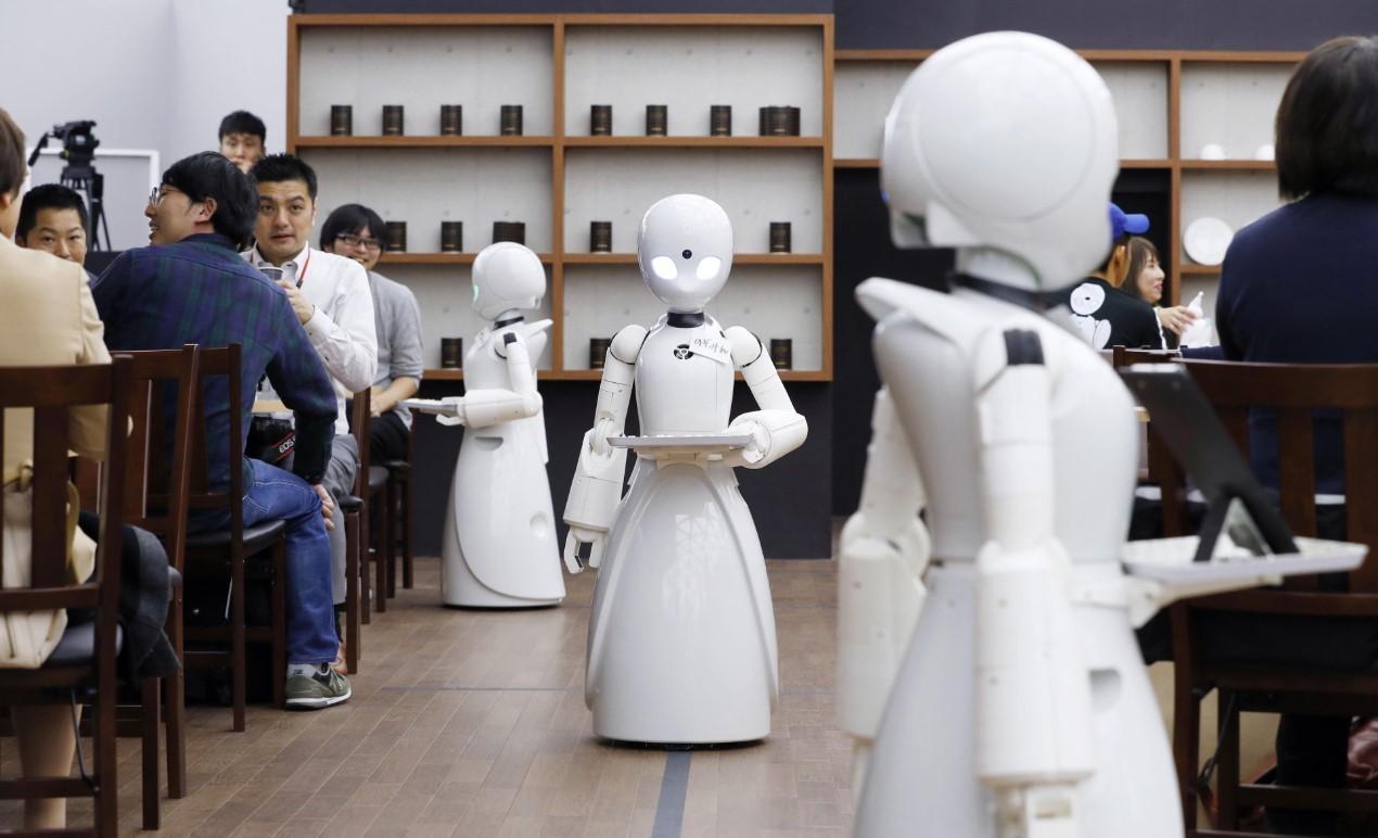 Robot en cafetería