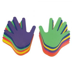 Siluetas de manos con colores y textura en uno de los lados